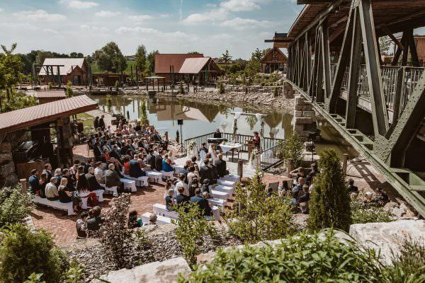 Outdoor Hochzeit im Brückenbaron