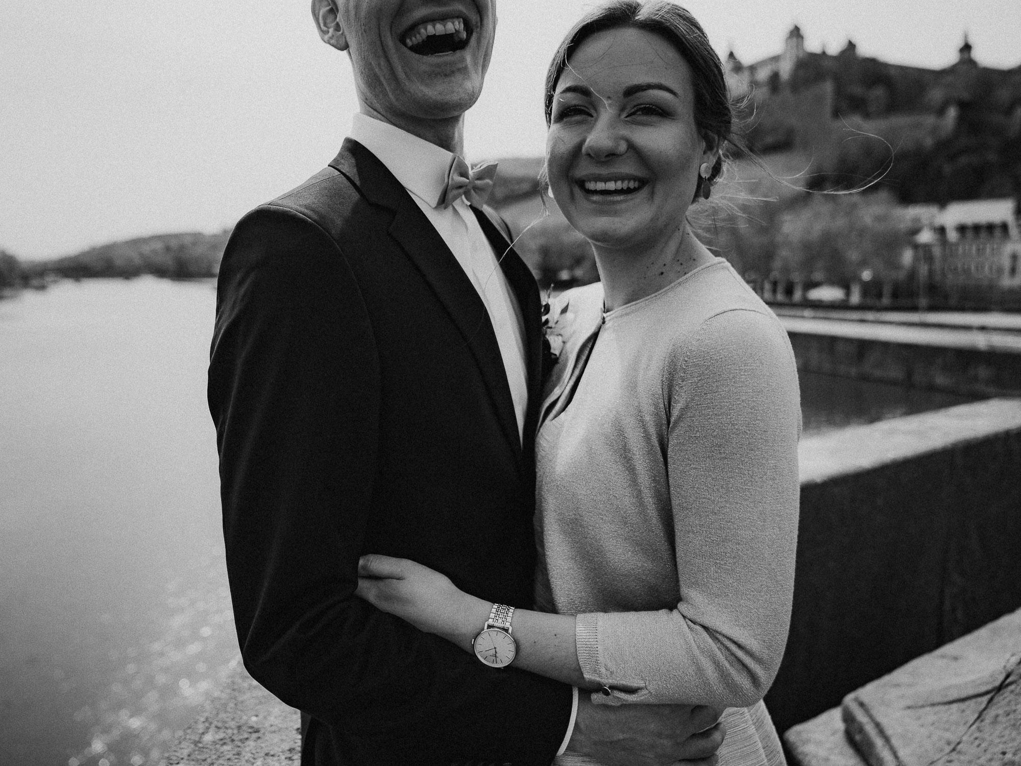 Hochzeitsfotograf aus Wuerzburg. Moderne Hochzeitsfotos und Hochzeitsreportagen