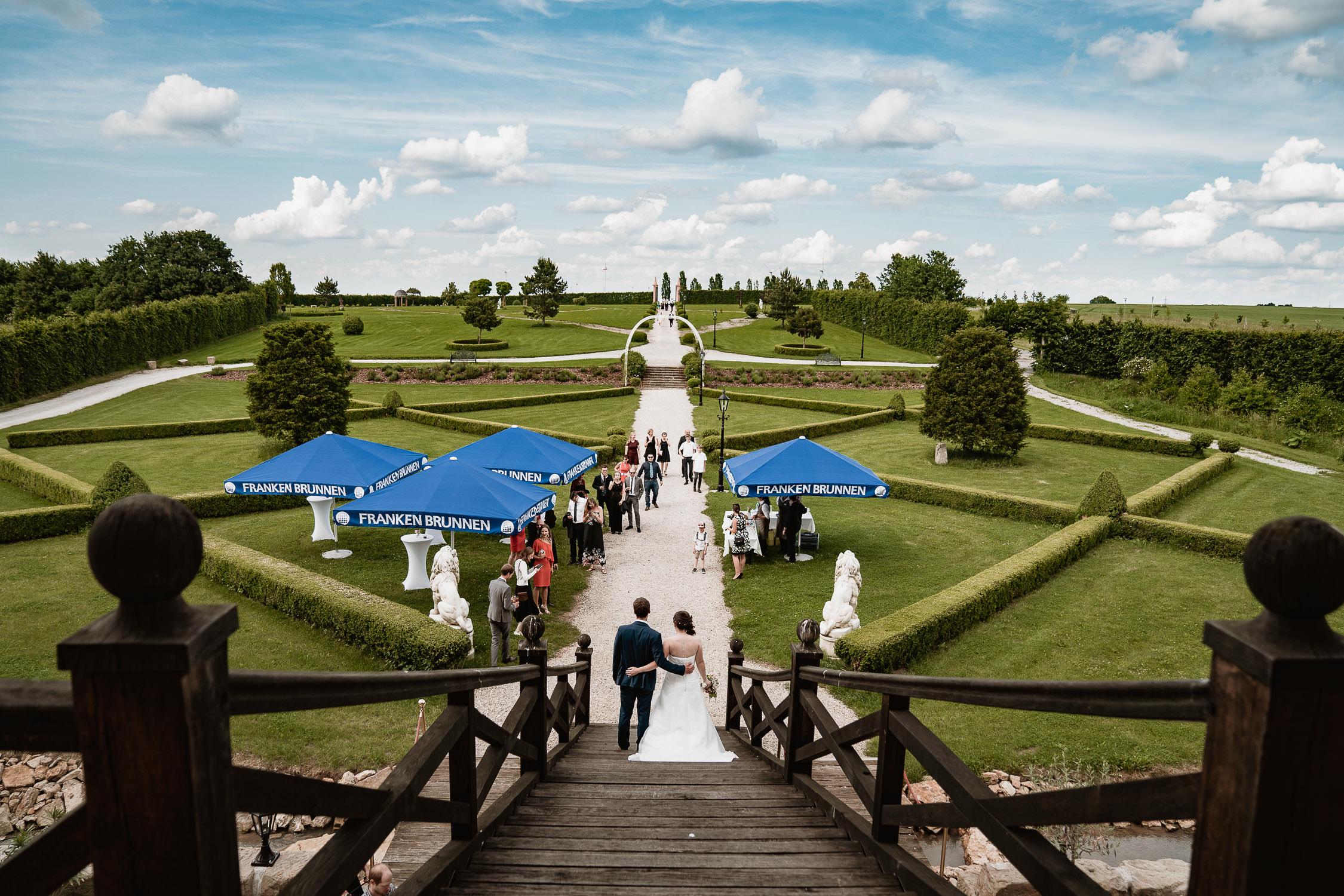 Hochzeitsbilder von einer Hochzeit im Schloss Walkershofen. Fotografiert vom Hochzeitsfotograf aus Würzburg Axel Link